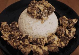 Сердечки куриные в сметане с рисом