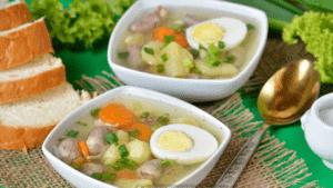 Суп с куриными сердечками и яйцом
