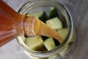 Консервирование огурцов на зиму с яблочным соком