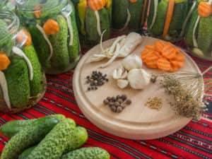 Огурцы соленые на зиму (засолка с горчицей)