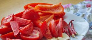 """Овощи для салата """"Тещин язык""""из баклажанов"""