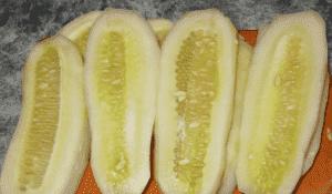 Огурцы на салат Тещин язык на зиму годятся и переросшие