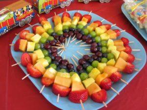 Как красиво разложить фрукты на тарелке - фото