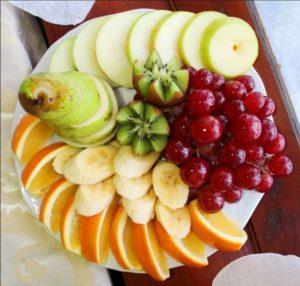 Фруктовая тарелка - оформление в домашних условиях