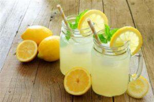 Домашний лимонад из лимона с мятой