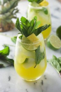 Лимонад из лимона и мяты в домашних условиях приготовить можно легко и быстро