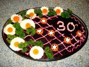 Как украсить селёдку под шубой к Дню рождения (фото к юбилею)