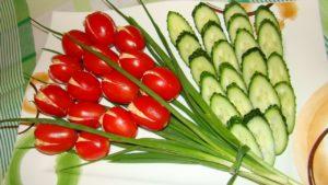 Красивая нарезка помидоров и огурцов: идея для салата